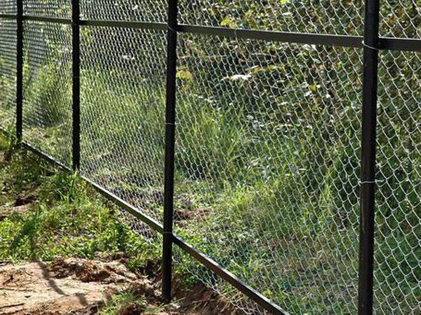 Дачный забор из рабицы своими руками